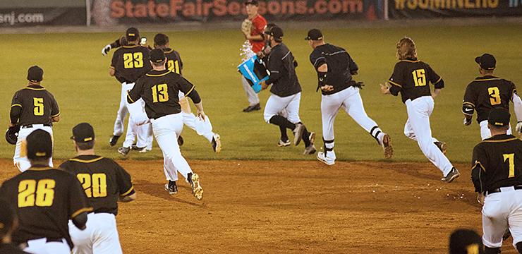 Miners Walk Off Against Aigles