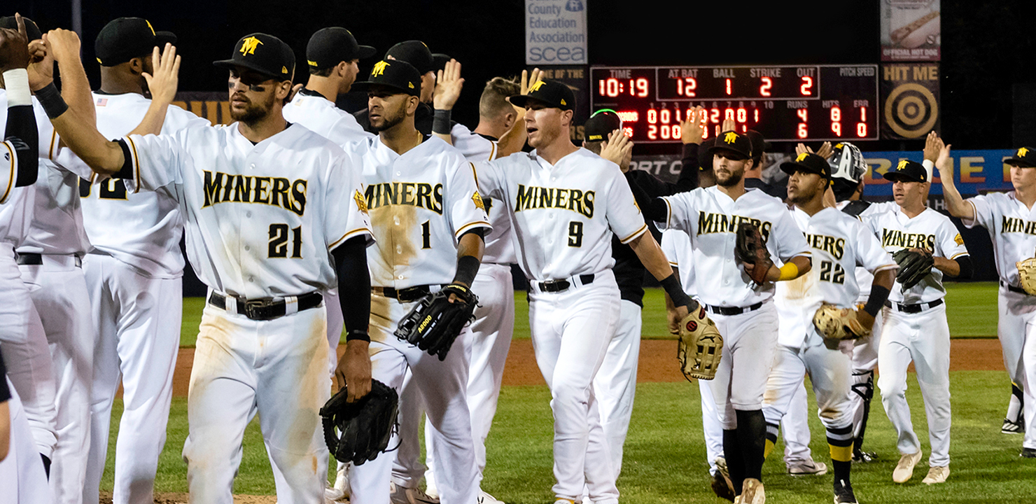 Miners Celebrate Record-Setting Win Against the Jackals