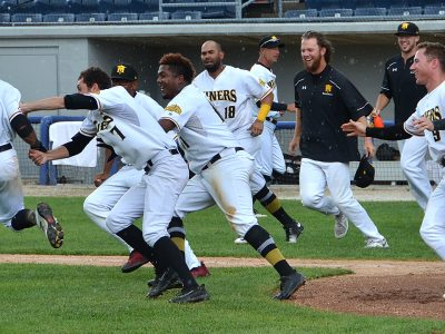 Miners Celebrate Walk-off Win